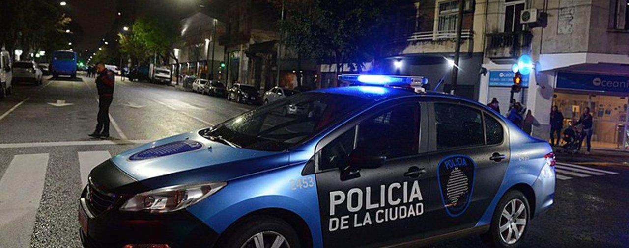 """""""Cuento del tío"""": detuvieron en Almagro a un delincuente que le había robado u$s100 mil a una anciana"""
