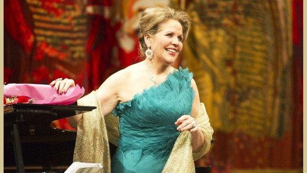 Renée Fleming, la diva de la ópera que creyó no encontrar el amor y tiene asteroide propio